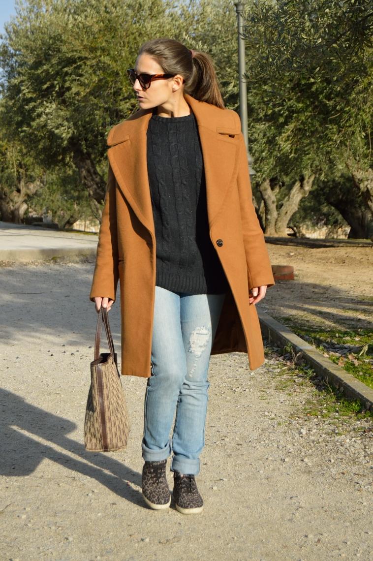 lara-vazquez-madlula-blog-abrigo-masculino-casual-sneakers