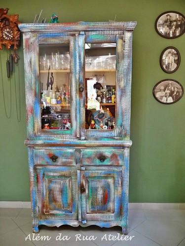 Pátina colorida em móveis de madeira