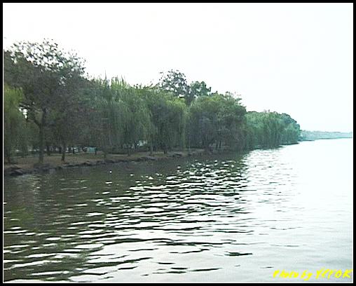 杭州 西湖 (其他景點) - 306 (在西湖十景之 蘇堤 蘇堤花港觀魚的結束點旁看蘇堤)