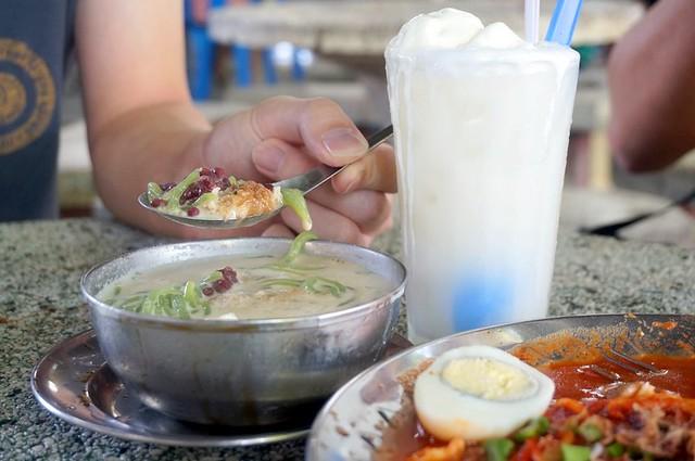 Mee Sotong Penang & Coconut Shake - (Halal) at Padang Kota (Esplanade) -011