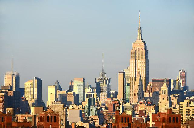 Atardecer de los rascacielos de Nueva York desde el rio Hudson