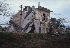 Bắc VN 1967 - Ngôi nhà bị ném bom tại giao lộ Phủ Lý, vùng quê phía nam Hanoi
