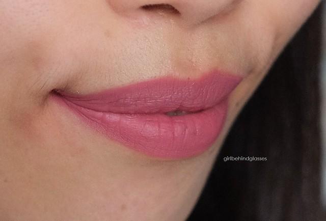 Kylie Cosmetics Lip Kit Posie K matte liquid lipstick swatch