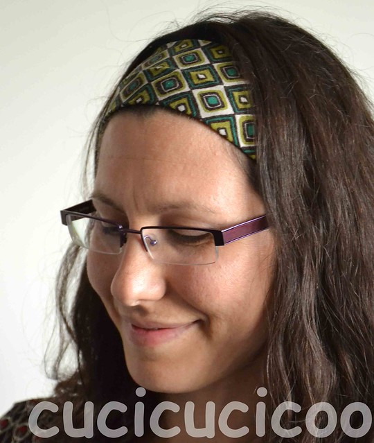Make a headband from stretchy fabric scraps