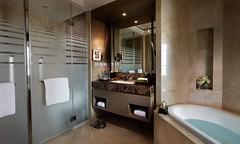 Luxury Room -Bathroom