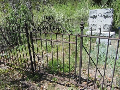 ute-cemetery 5