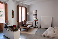 Contemporary 3-bedroom apartment for sale in Barcelona Old Town LFS3188