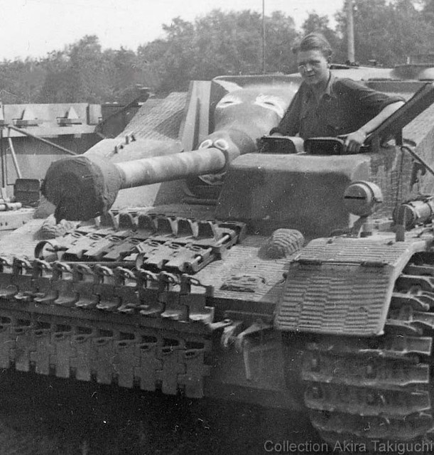 A StuG IV, armor reinforced by concrete (and with embedded tracks!)