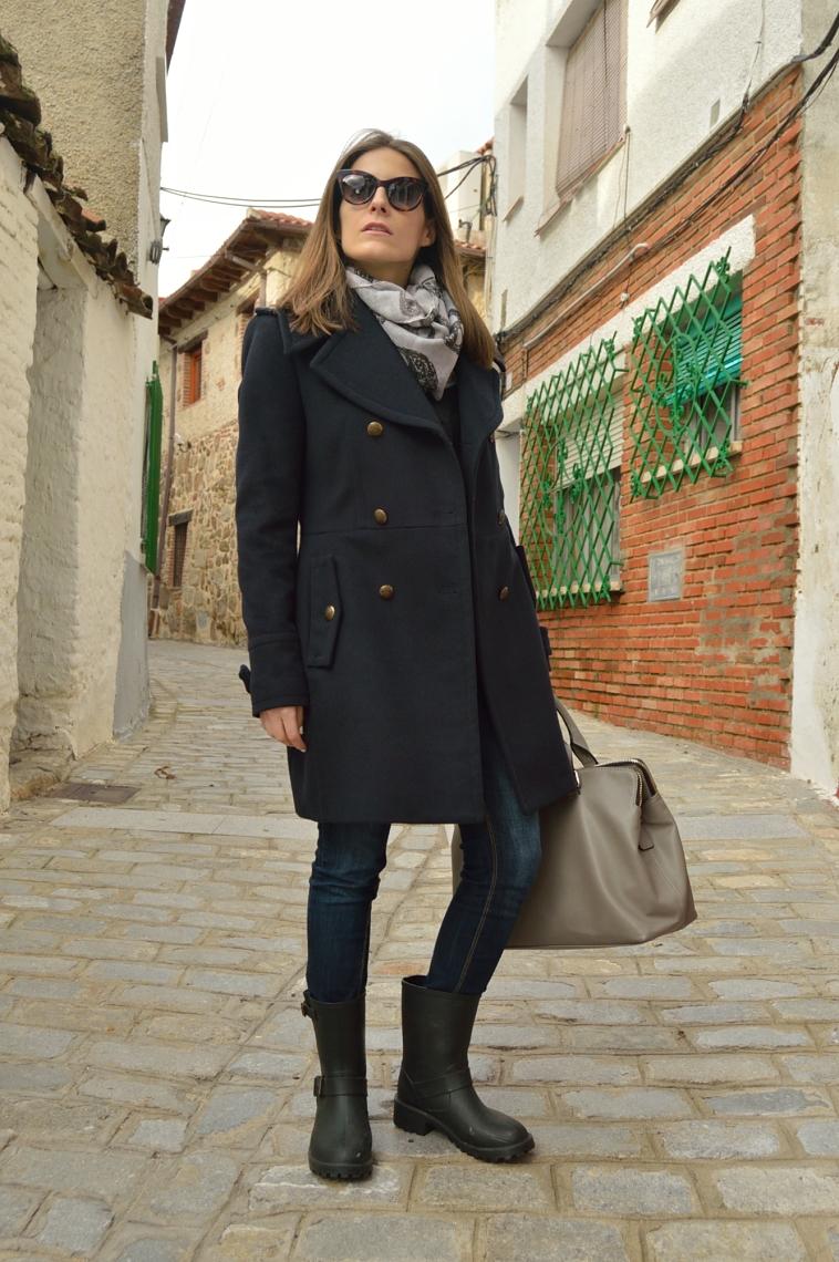 lara-vazquez-madlula-blog-coat-blue-coat-winter