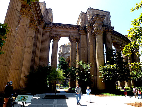 The exposition site is an unexpected place in San Franscisco, with its classical greek and roman pillars, but one that is well worth taking time off to have a stroll through.