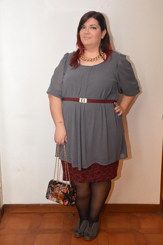 outfit grigio e borgogna4