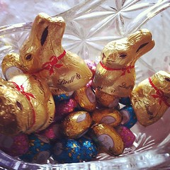 Easter is not complete without the #easterbunny ;) #chocolate #lindt #golden #bunny #rabbit #eastereggs #blue #pink #yellow #dessert #instafood #instadaily #easterholiday #happyeaster