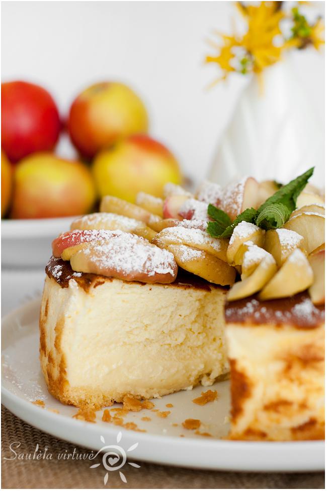 Sūrio pyragas su obuoliais (5)