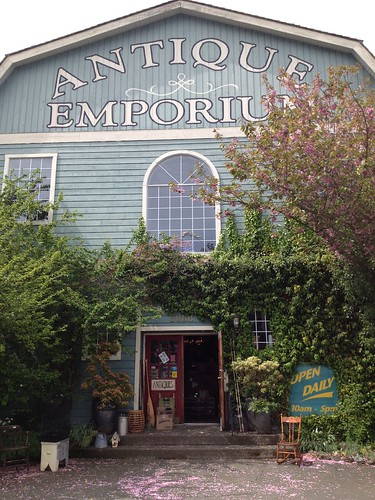 The Antique Barn on the Highway - Chemainus BC
