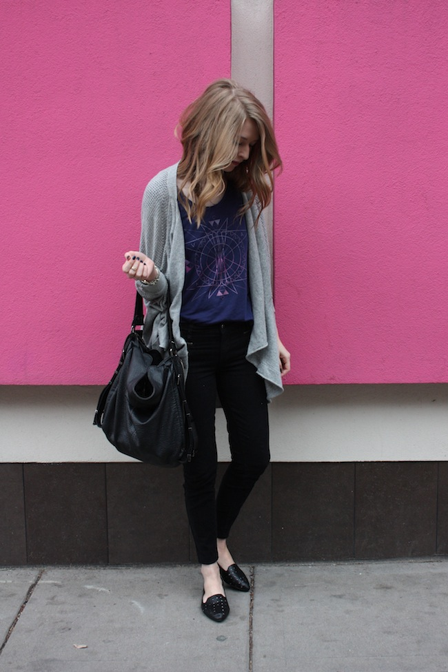 chelsea+lane+minneapolis+fashion+style+blogger+vans+girls+tee+lily+and+violet+cardigan+justfab+signature+skinny+loafers2