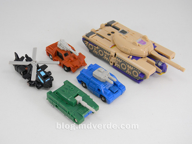Transformers Micromaster Military Patrol (Bombshock, Tracer, Dropshot, Growl) - Transformers G1 Micromasters - modo alterno vs Blitzwing
