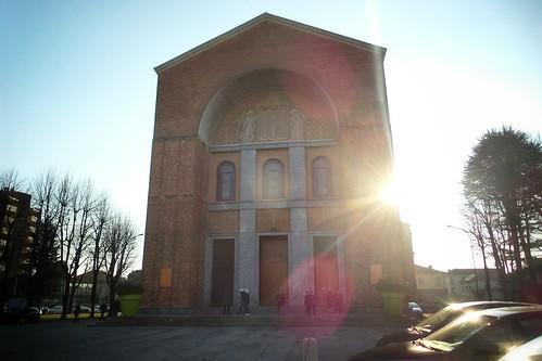 Il sole affianco Santa Maria Nascente by Ylbert Durishti