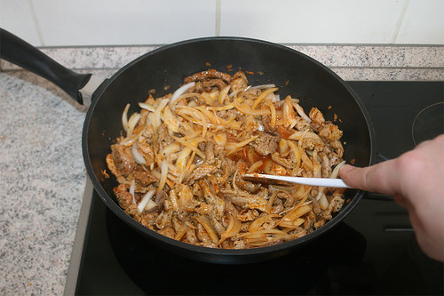 29 - Zwiebeln andünsten / Braise onions
