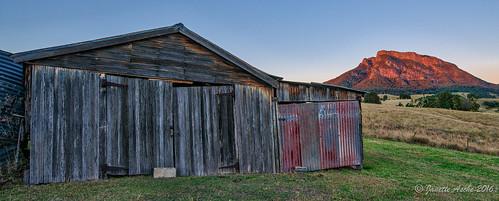 old winter grass rural sunrise landscape farm shed rusty australia qld queensland rundown 2016 scenicrim mtmaroon seqld sonya7r aurorahdrpro