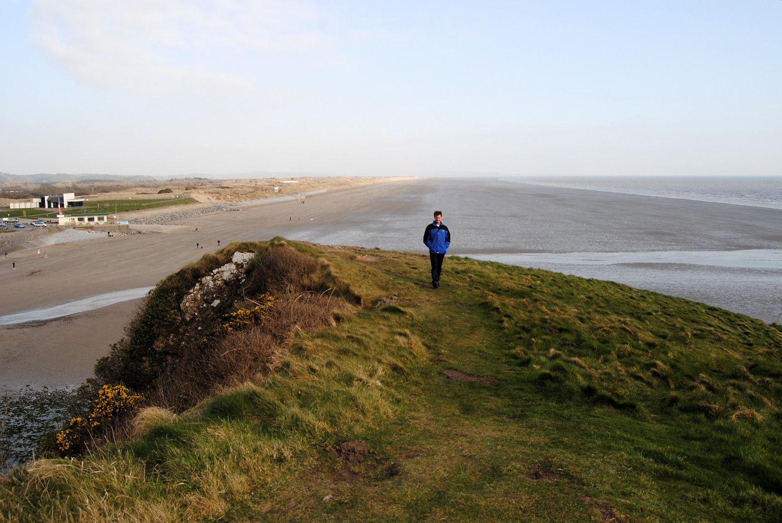 An overview of Pendine Sands, with nothing but sand stretching out into the distance.