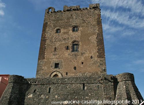 Um den Aetna Adrano Turm