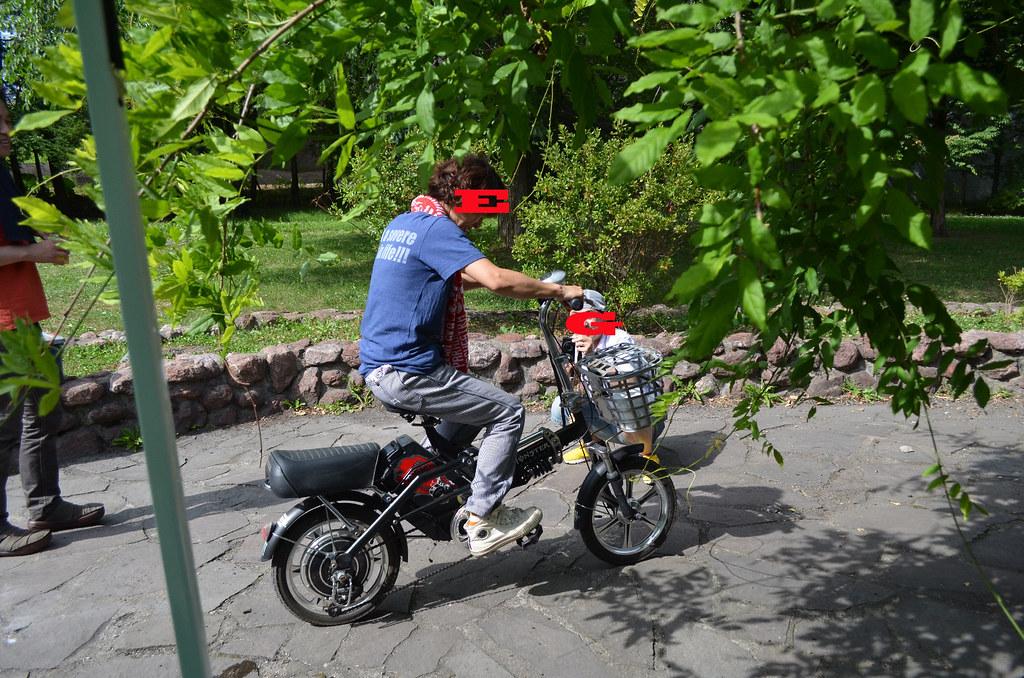 電動自転車。8