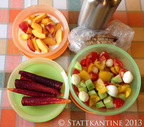 Stattkantine 22. August 2013 - Bunter Salat, Urkarotten, Nektarinen