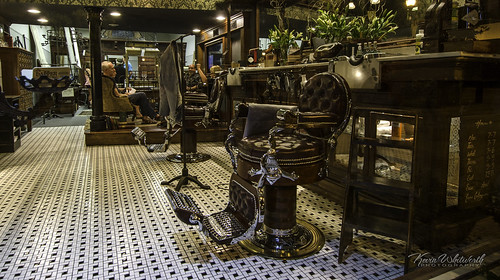 leather chair downtown barbershop springfield springfieldmissouri tilefloor barberchair