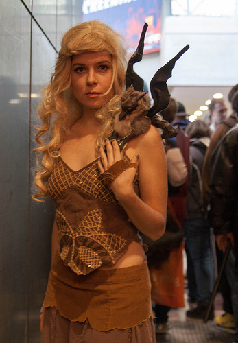 A cosplayer dresses as Daenerys Targaryen.