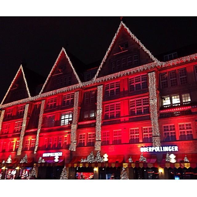 Weihnachtsbeleuchtung München.Kaufhaus Oberpollinger München Mit Weihnachtsbeleuchtung Flickr