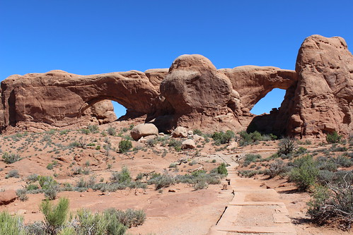 IMG_2557_North_&_South_Windows_Arches_NP