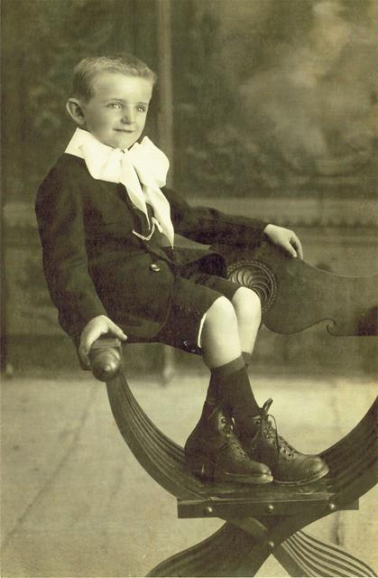 foto d'epoca di cesarino vincenzi da bambino