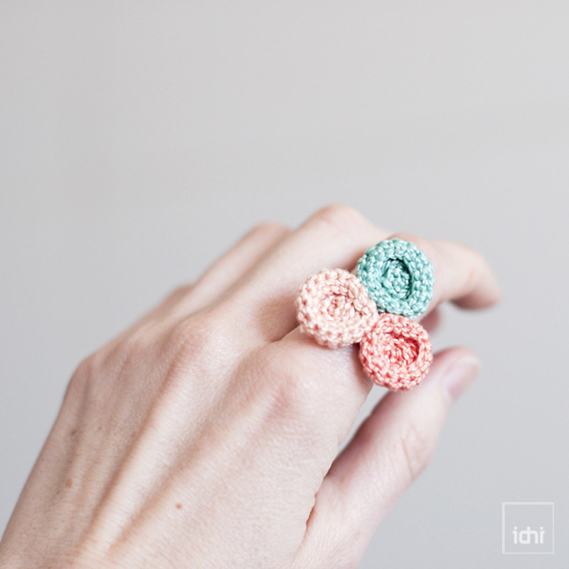 crochet ring spring colors1