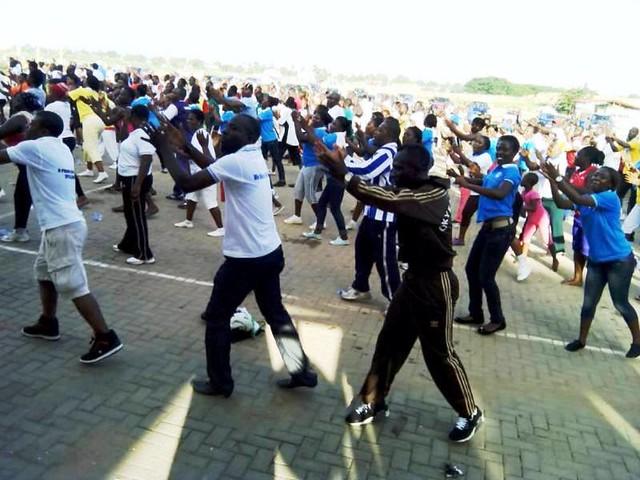 Okyeame Kwame walks with Takoradi