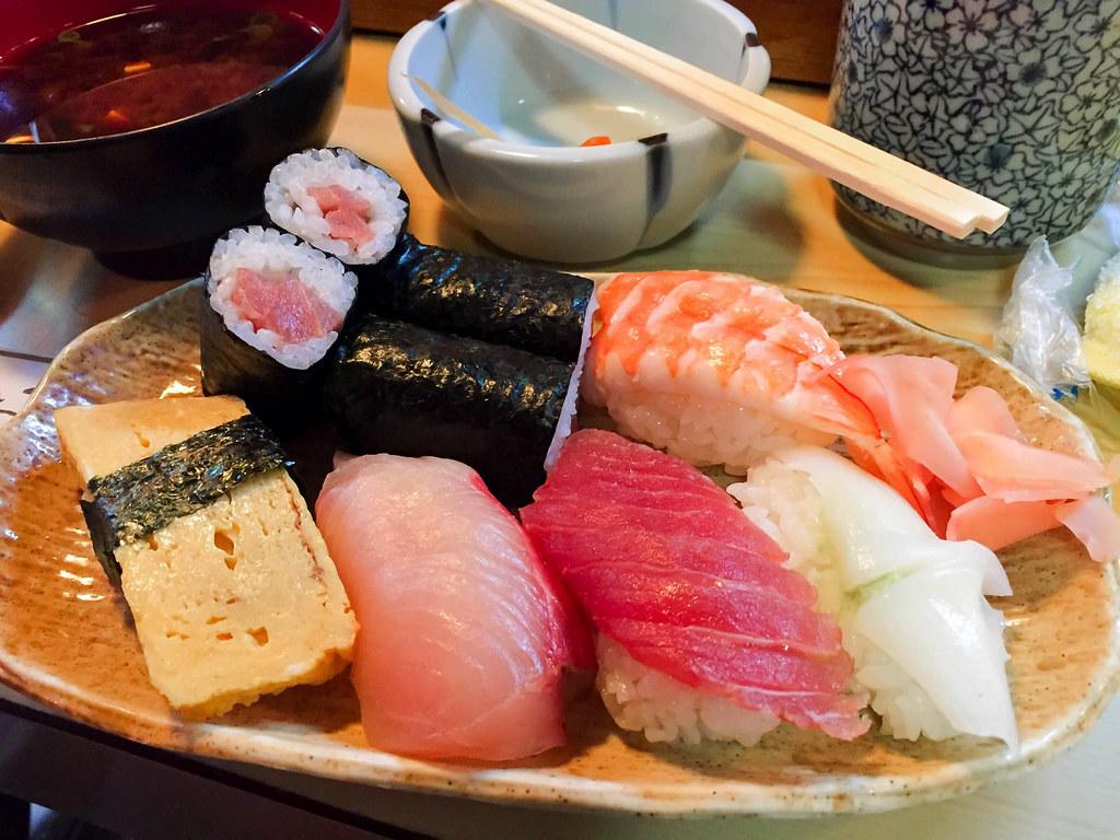 丸八寿司の並寿司ランチ