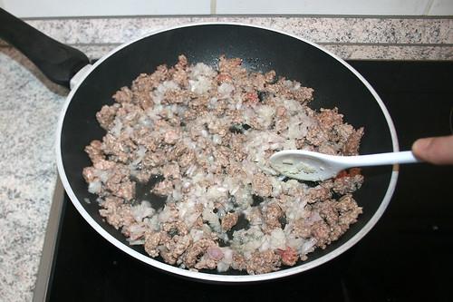 28 - Zwiebeln mit andünsten / Braise onions ligthly