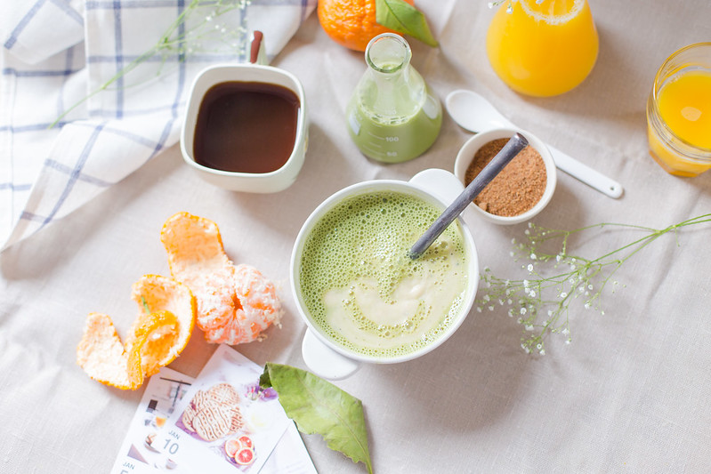 Coconut Flour Porridge with Matcha Milk