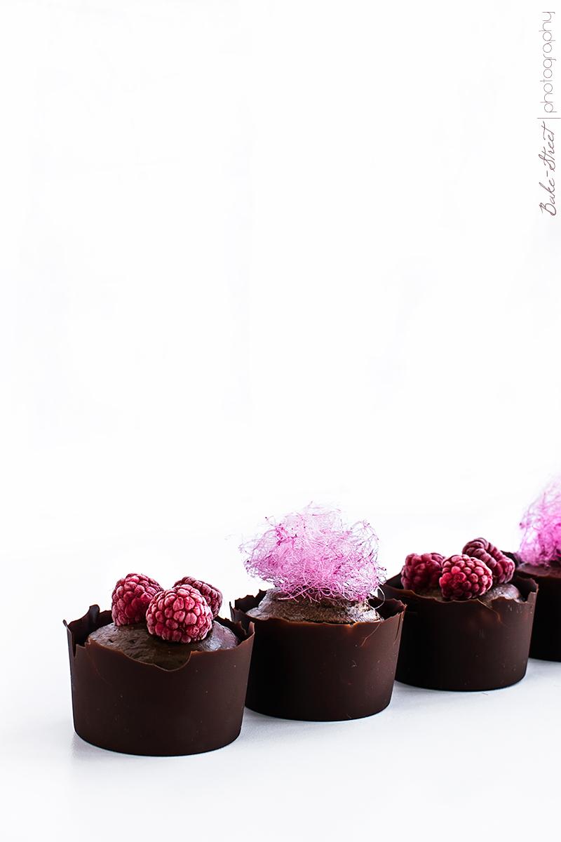 Mousse de aguacate y chocolate con algodón de azúcar