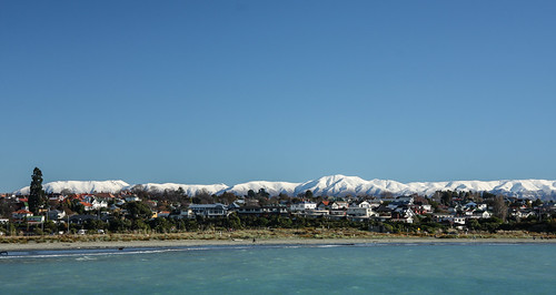 winter newzealand snow beach day bluesky heartland southisland coastline aotearoa timaru snowcovered southcanterbury carolinebay hunterhills mountainbackdrop