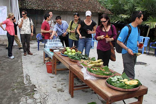 group sampling Indonesian produce
