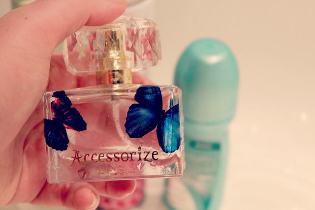 accessorize_perfume