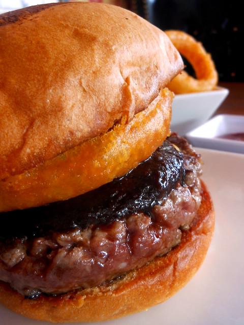 Umami Show Burger