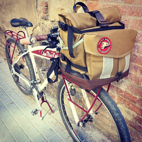 OMG OMG OMG ♡ THIS IS SO SO SO AMAZING!! My new bike trip partner @freightbags Rack Bag awaited me in Barcelona♡ Muchas gracias #freightbaggage Travis+ @mariabrianna for your big support! ♡ #charriescafe