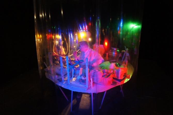 John Bock Nichts unter der Kinnlade, 2012 Foto: David Schultz © John Bock, 2013, Courtesy: Anton Kern, NY; Sprüth Magers Berlin, Giò Marconi, Mailand; Sadie Coles HQ, London; Regen Projects, LA