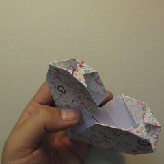 วิธีการพับกระดาษเป็นรูปหัวใจ 018