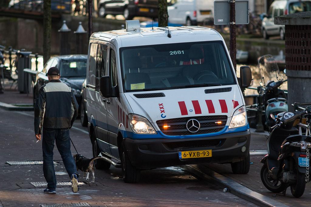 Муниципальный автомобиль в Амстердаме