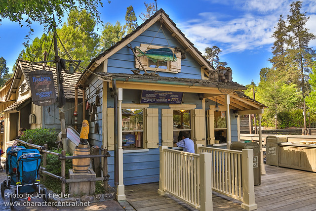 Disneyland Summer 2013 - Wandering through Critter Country