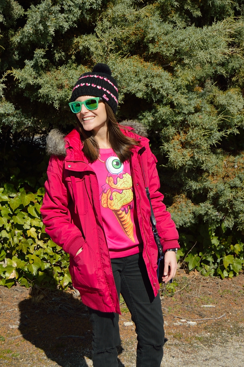 lara-vazquez-madlula-ice-cream-green-sunglasses-casual-winter-look
