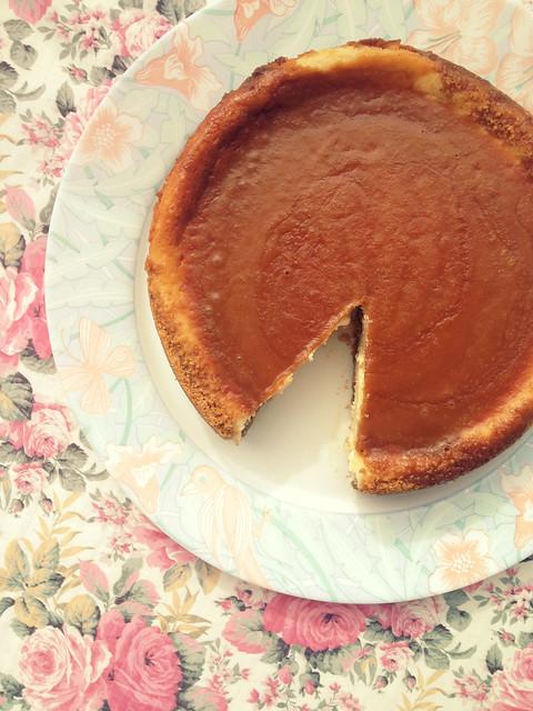 vanilla bean caramel cheesecake