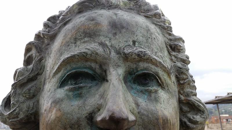 busto II